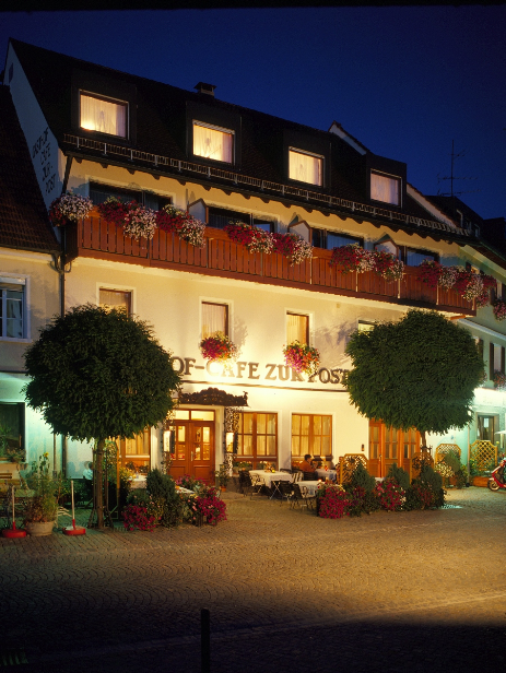 "Hotel-Gasthof Cafe ""Zur Post"""